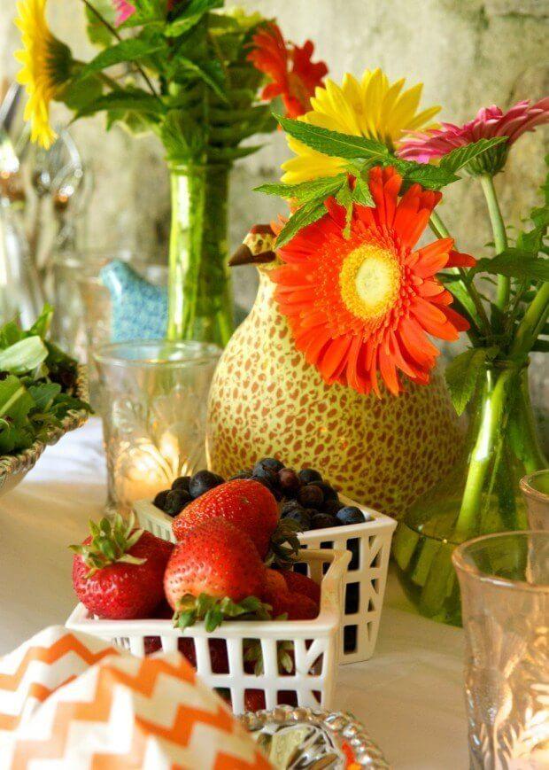Simple accessories and natural decor (a la food)