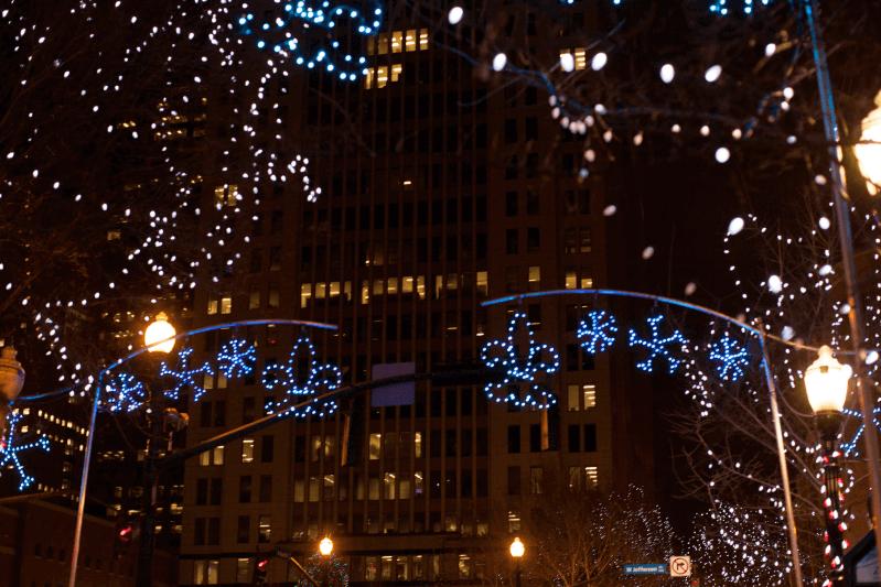Christmas Houses, 4th Street Live