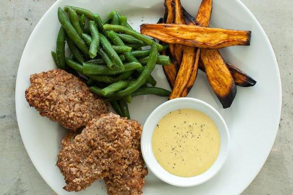 Recipe: Pecan Crusted Chicken Tenders with Honey Mustard