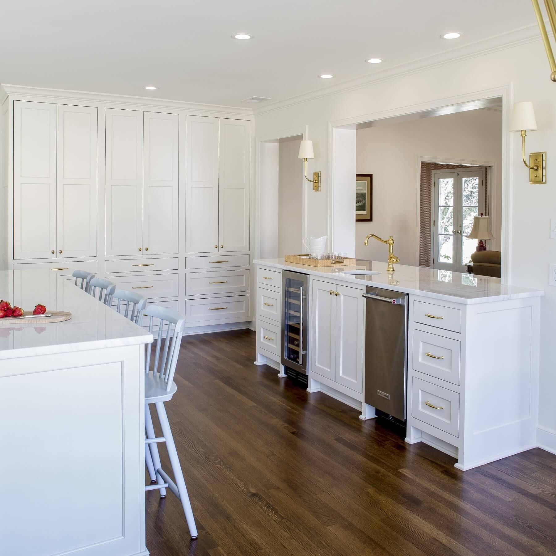 We are loving this bright, white kitchen!